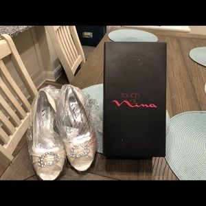 Touch of Nina cream shoes